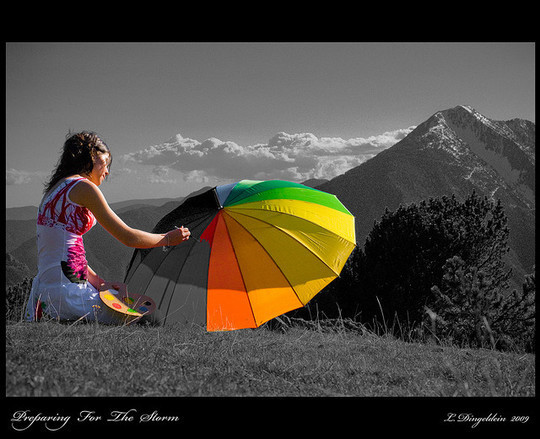 Mindblowing Assortment Of Black And White Photography With Partial Colors 25