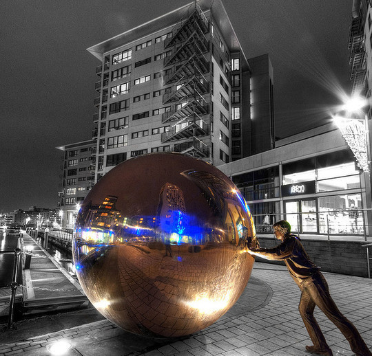 Mindblowing Assortment Of Black And White Photography With Partial Colors 43