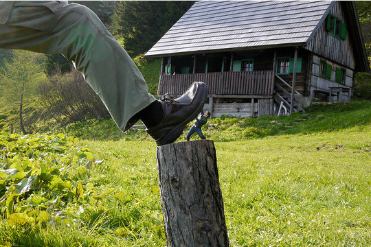 Incredible Illusions of Forced Perspective Photography 7