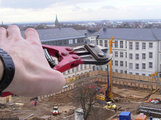 Incredible Illusions of Forced Perspective Photography 13