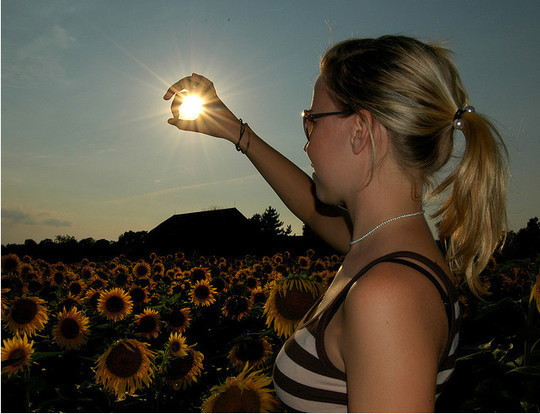 Incredible Illusions of Forced Perspective Photography 39