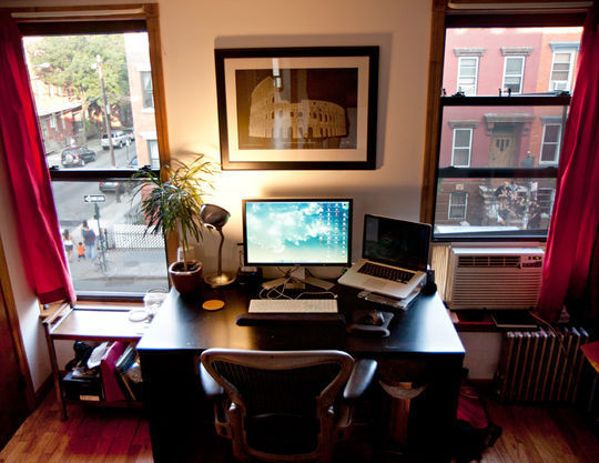 40 Inspirational Freelance Workspaces And Offices For Designer 1