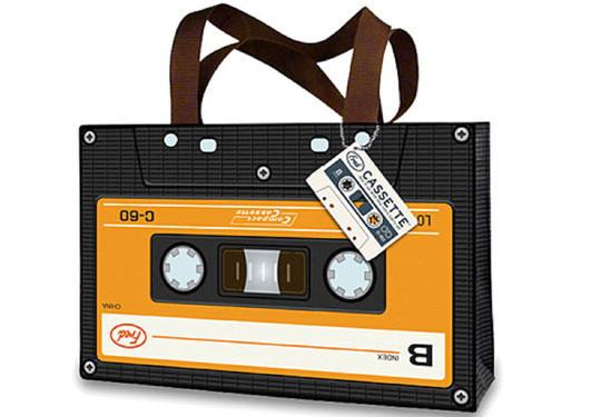 Collection Of Creative Shopping Bag Designs 9