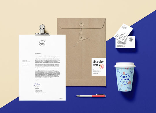 12 Fresh PSD Mockup Templates For Creative Works 9
